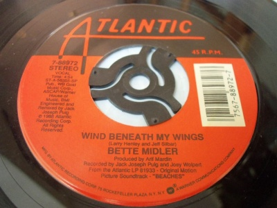 BetteMidler WingsBeneathMyWings(USA)1